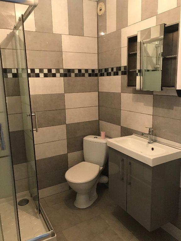 Appartement à louer 1 25m2 à Chaumes-en-Brie vignette-4