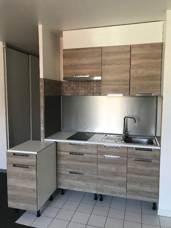Appartement à louer 1 25m2 à Chaumes-en-Brie vignette-6
