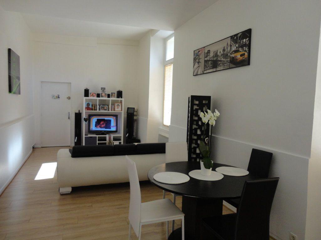 Appartement à louer 3 57.8m2 à Rozay-en-Brie vignette-1