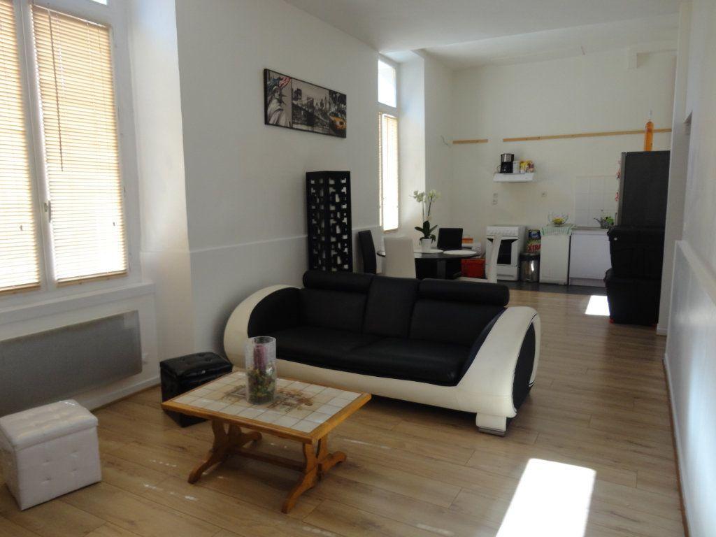 Appartement à louer 3 57.8m2 à Rozay-en-Brie vignette-2