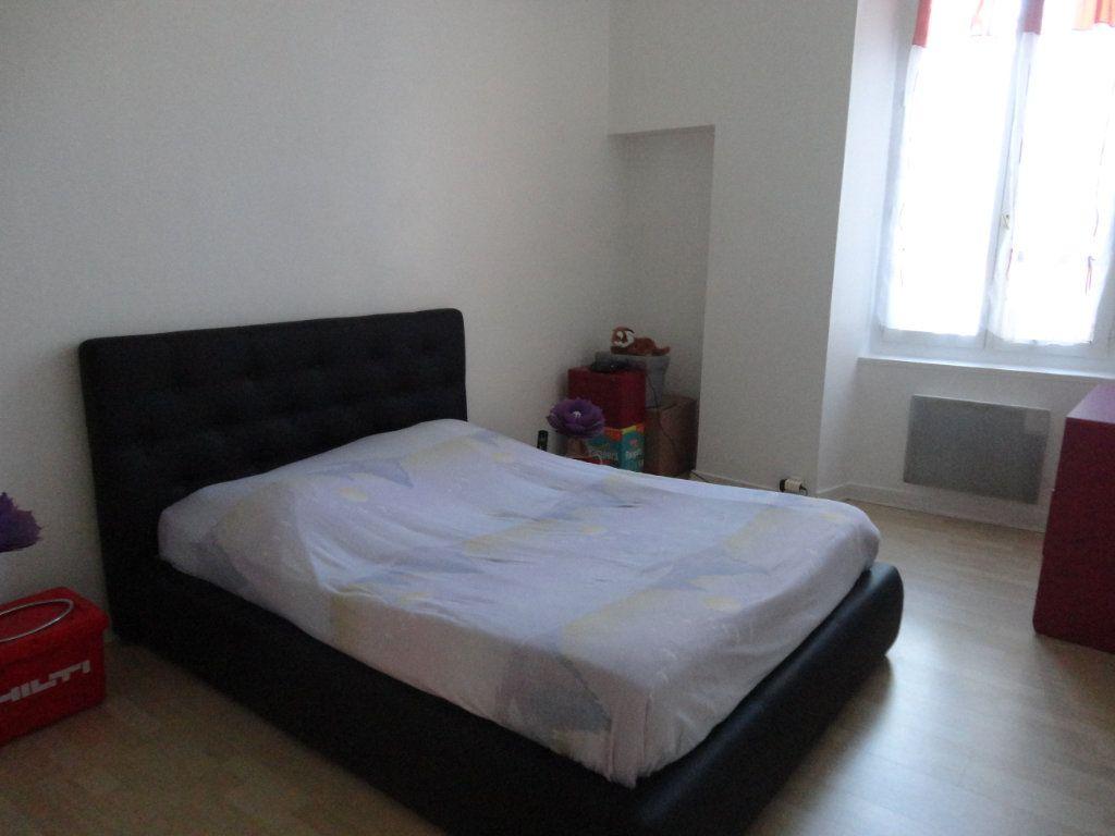 Appartement à louer 3 57.8m2 à Rozay-en-Brie vignette-3