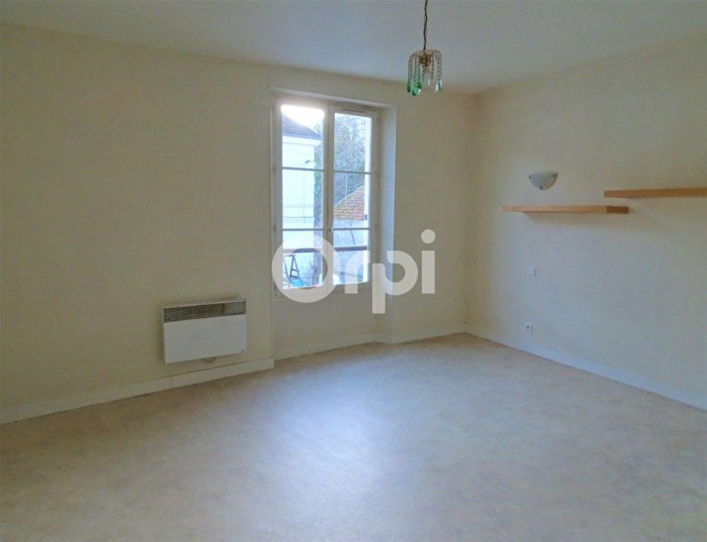 Immeuble à vendre 0 163m2 à Jouy-le-Châtel vignette-2