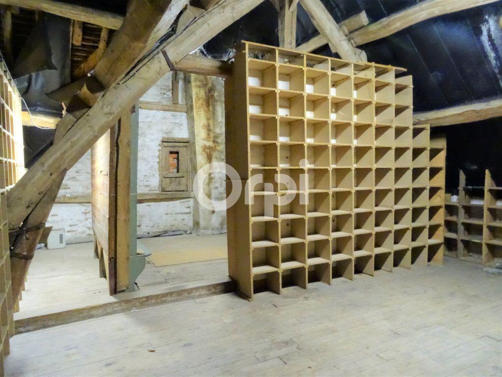 Immeuble à vendre 0 163m2 à Jouy-le-Châtel vignette-7