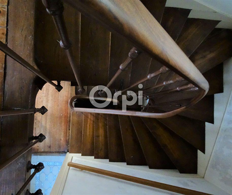 Immeuble à vendre 0 193m2 à Jouy-le-Châtel vignette-5