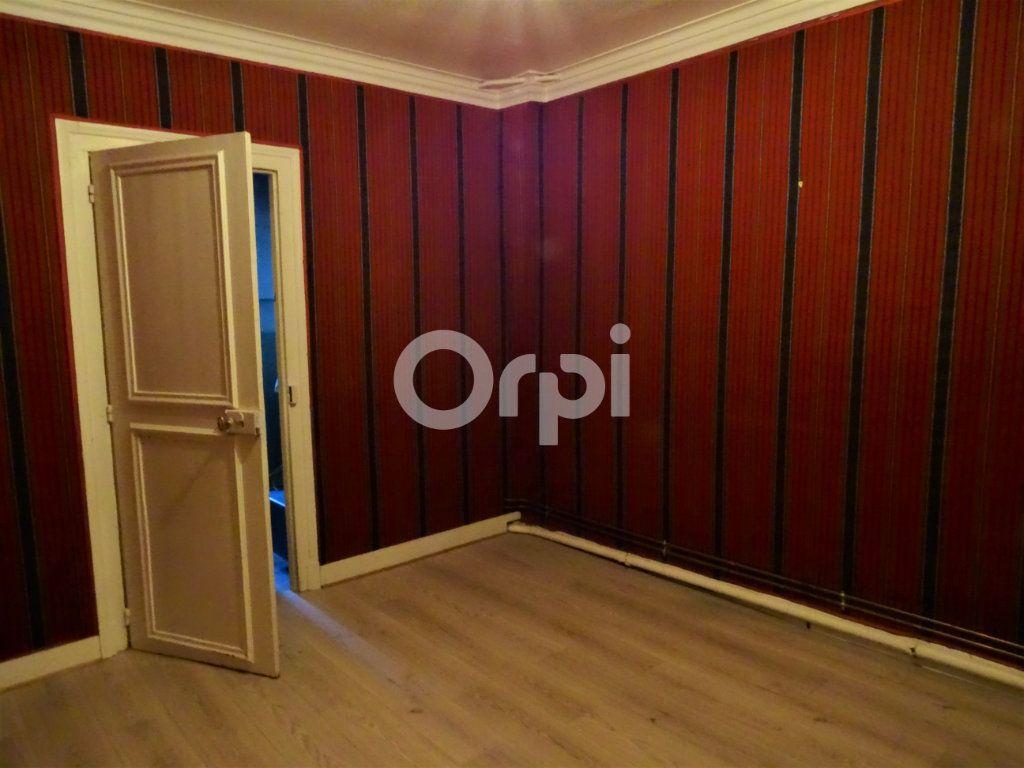 Immeuble à vendre 0 193m2 à Jouy-le-Châtel vignette-12