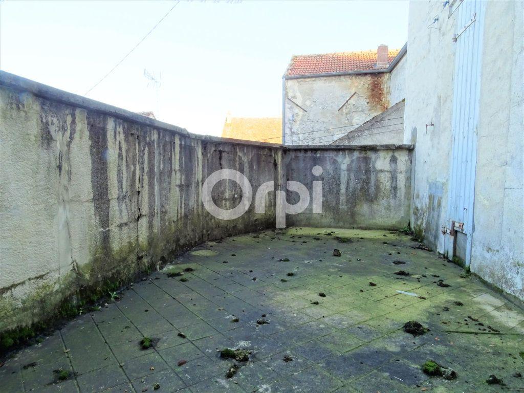 Immeuble à vendre 0 193m2 à Jouy-le-Châtel vignette-13