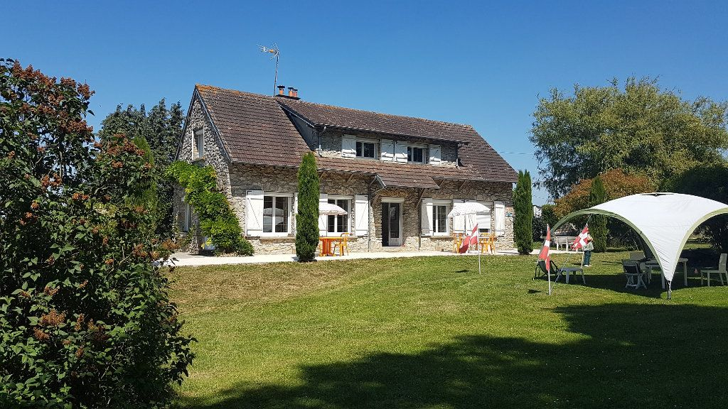 Maison à vendre 6 150m2 à Jouy-le-Châtel vignette-1