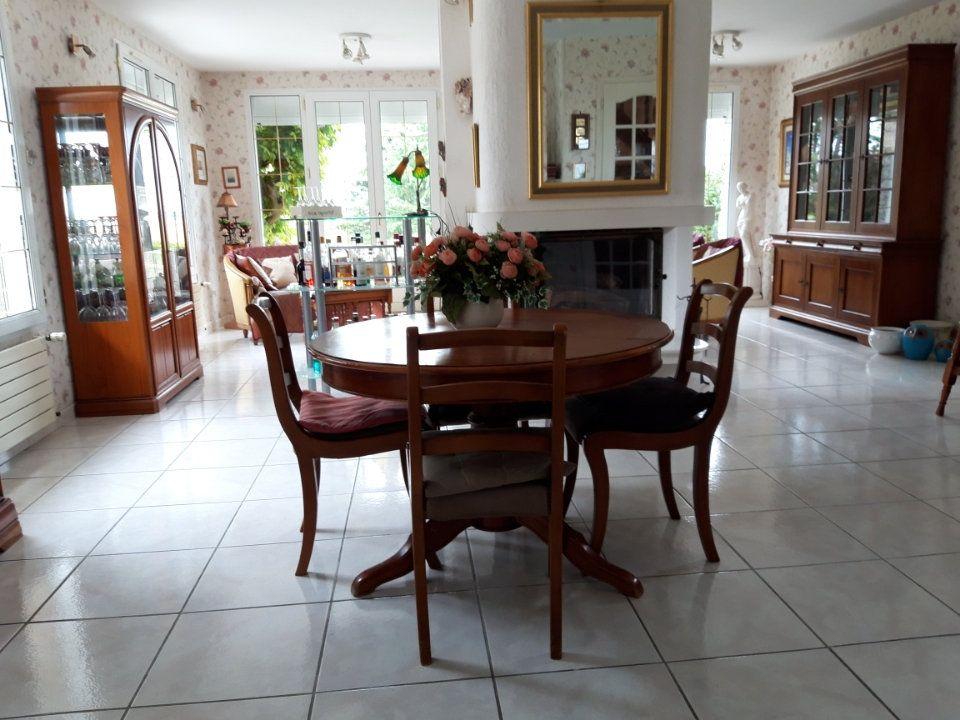 Maison à vendre 6 150m2 à Jouy-le-Châtel vignette-7
