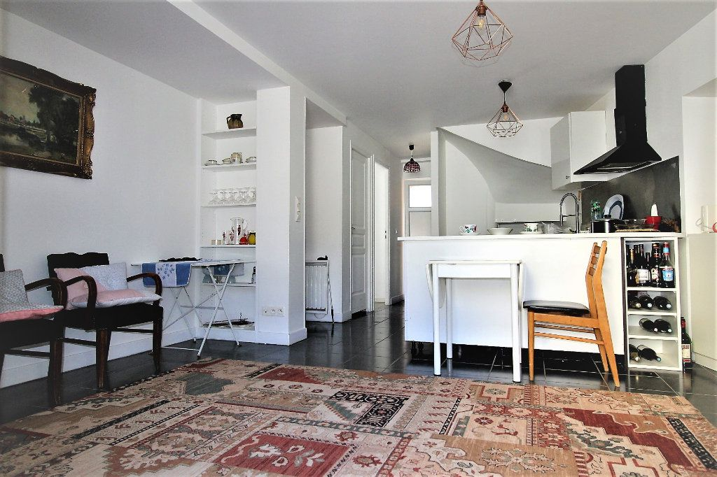 Appartement à vendre 3 52.9m2 à Fontenay-Trésigny vignette-1