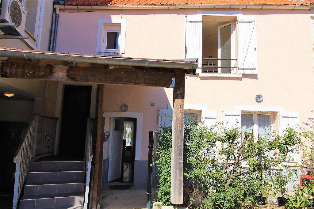 Appartement à vendre 3 52.9m2 à Fontenay-Trésigny vignette-2
