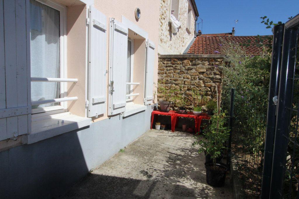 Appartement à vendre 3 52.9m2 à Fontenay-Trésigny vignette-3