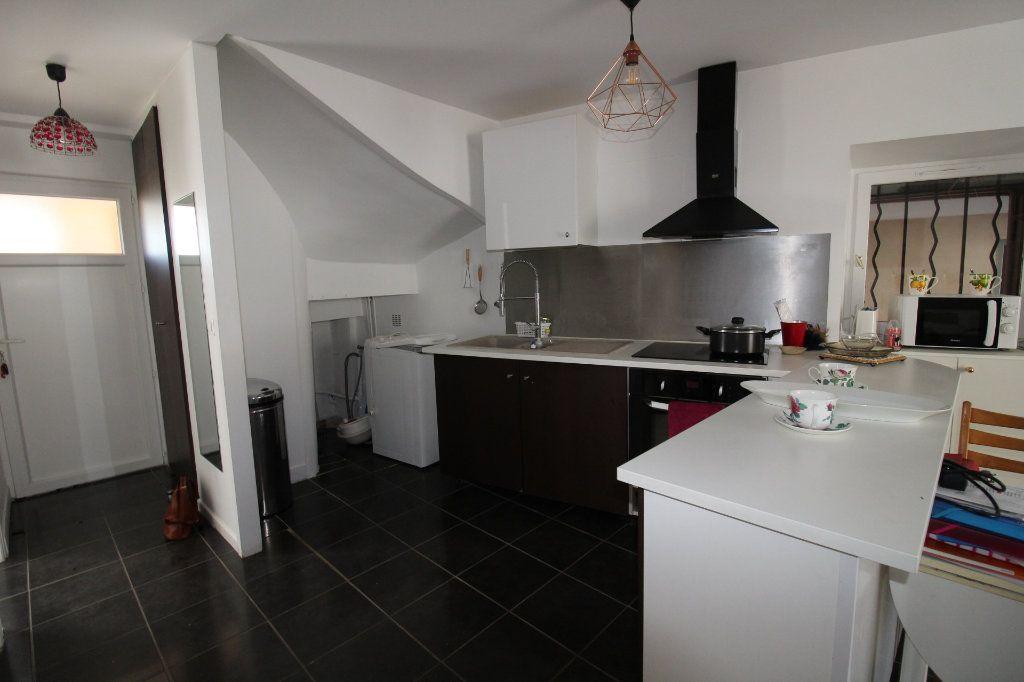Appartement à vendre 3 52.9m2 à Fontenay-Trésigny vignette-6