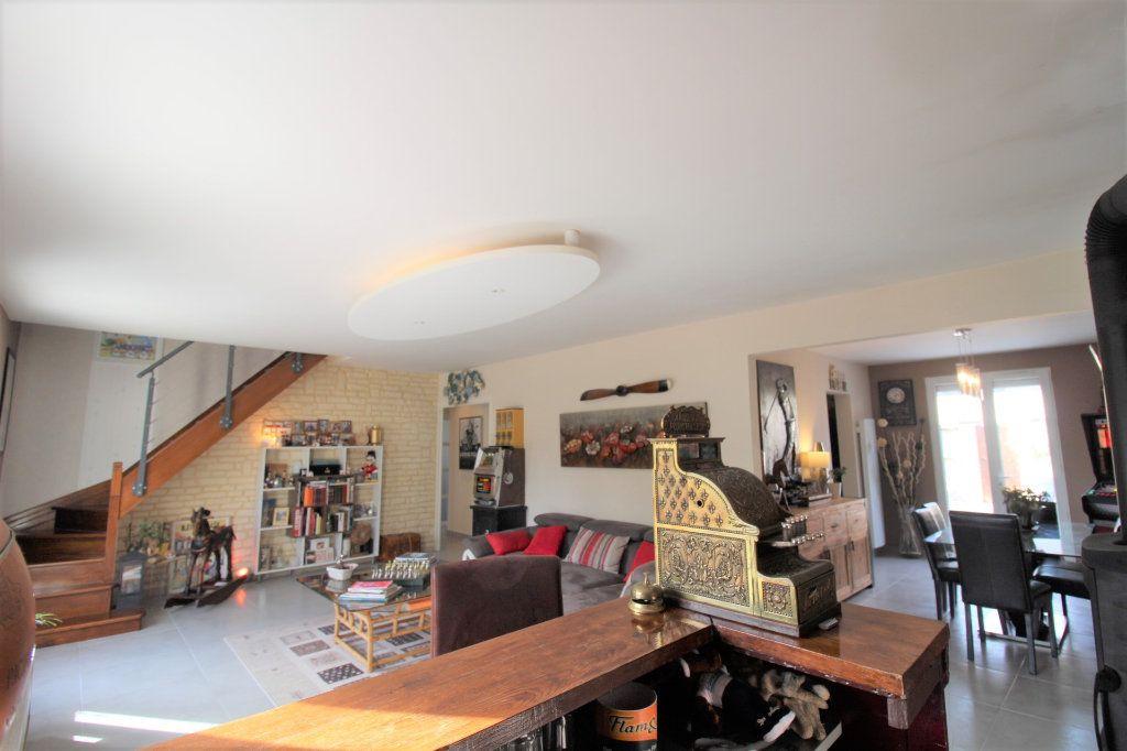Maison à vendre 6 148m2 à Grandpuits-Bailly-Carrois vignette-2