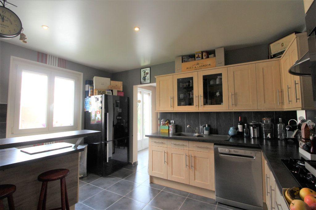 Maison à vendre 6 148m2 à Grandpuits-Bailly-Carrois vignette-4
