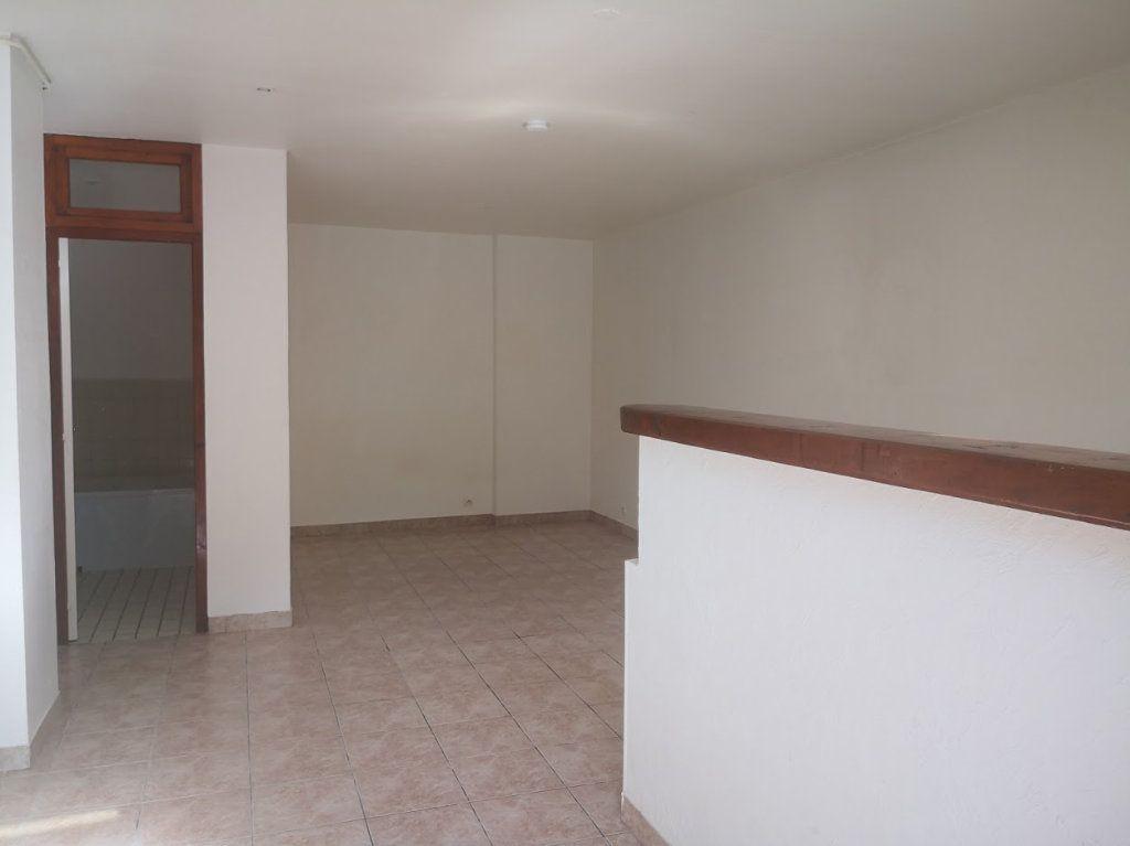 Appartement à louer 1 30m2 à Fontenailles vignette-2