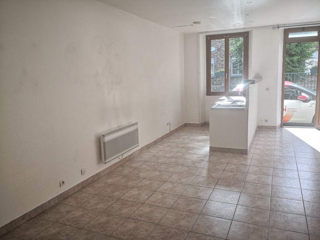 Appartement à louer 1 30m2 à Fontenailles vignette-4