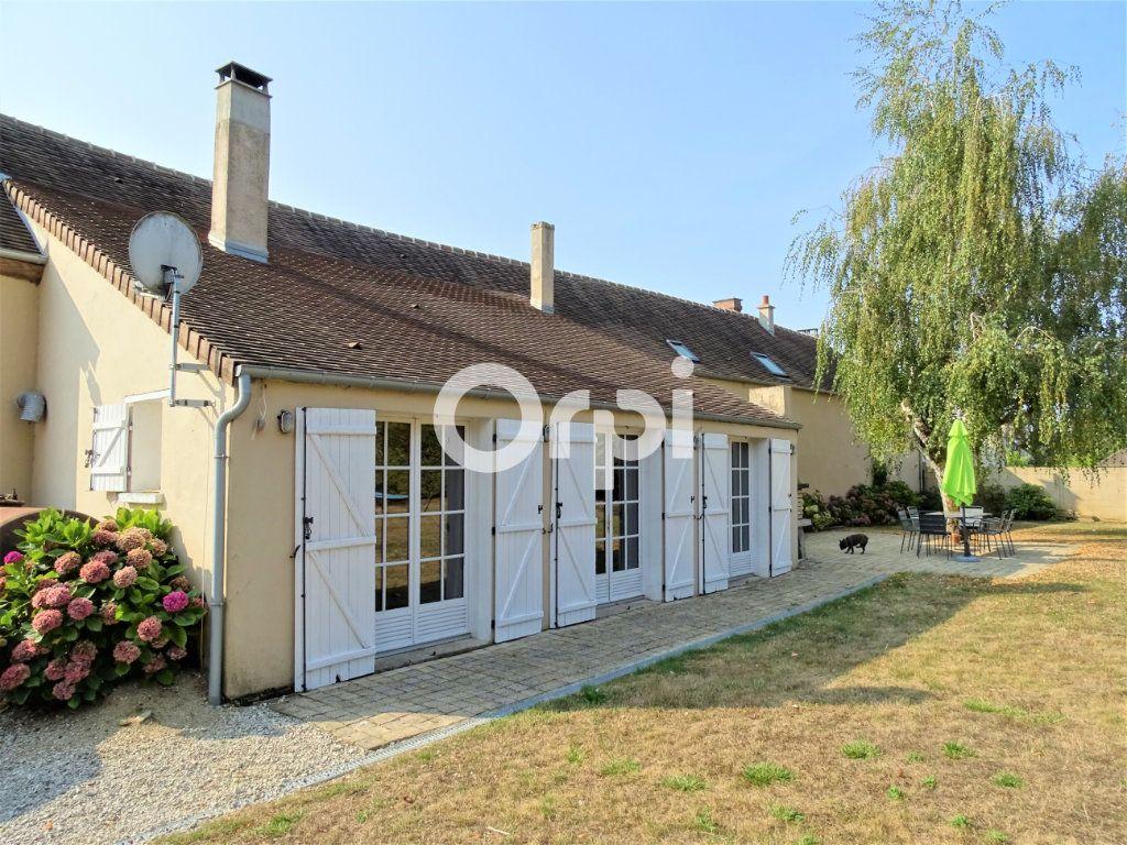 Maison à vendre 8 202m2 à Saint-Just-en-Brie vignette-1