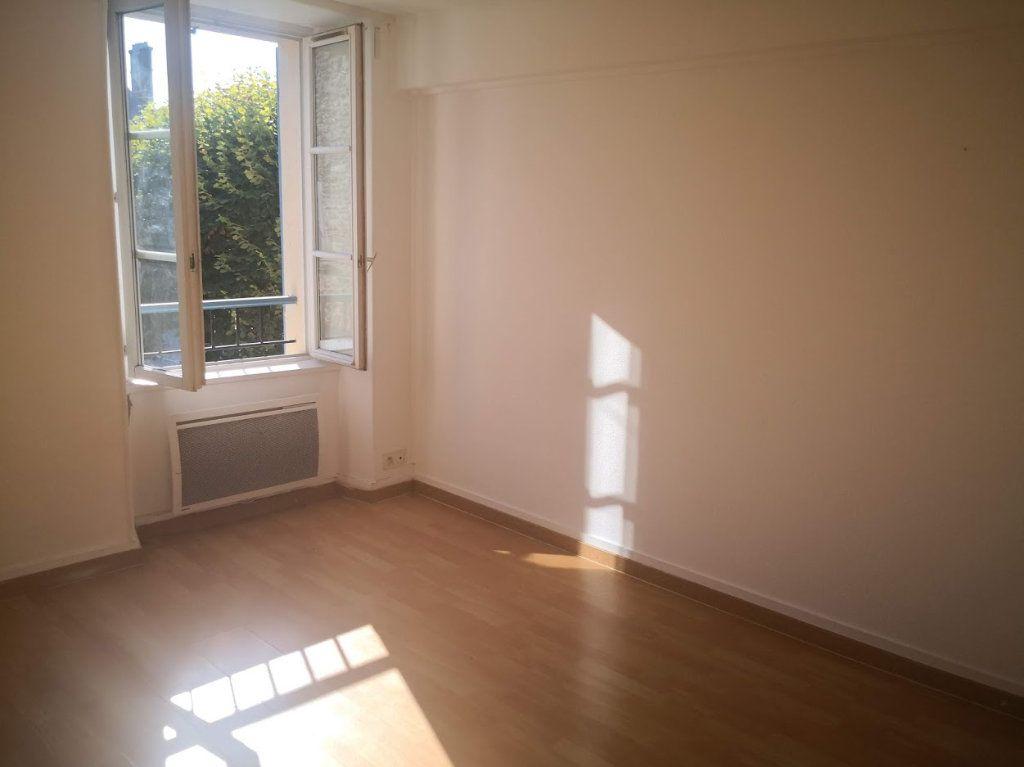 Appartement à louer 3 60m2 à Chaumes-en-Brie vignette-2