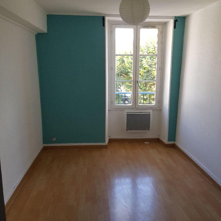 Appartement à louer 3 60m2 à Chaumes-en-Brie vignette-5