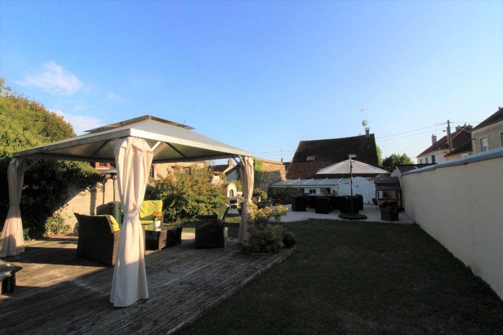 Maison à vendre 6 125m2 à Rozay-en-Brie vignette-1
