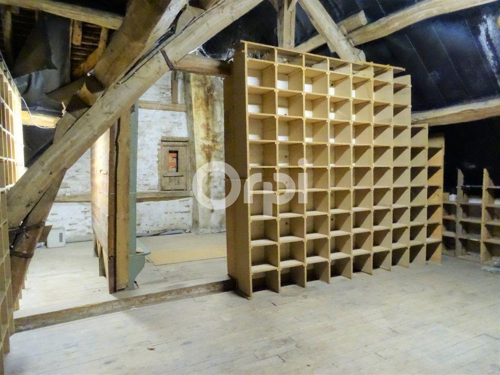Immeuble à vendre 0 356m2 à Jouy-le-Châtel vignette-13