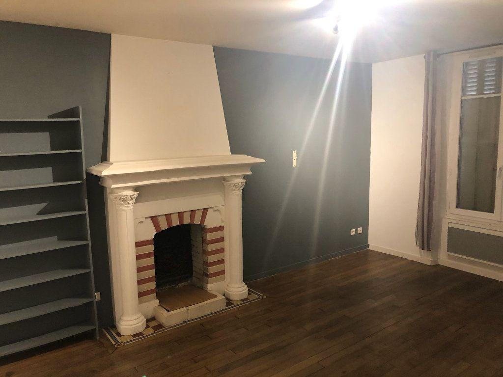 Appartement à louer 2 31m2 à Donnemarie-Dontilly vignette-2