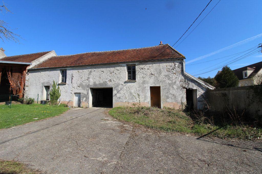 Maison à vendre 1 100m2 à Rozay-en-Brie vignette-1