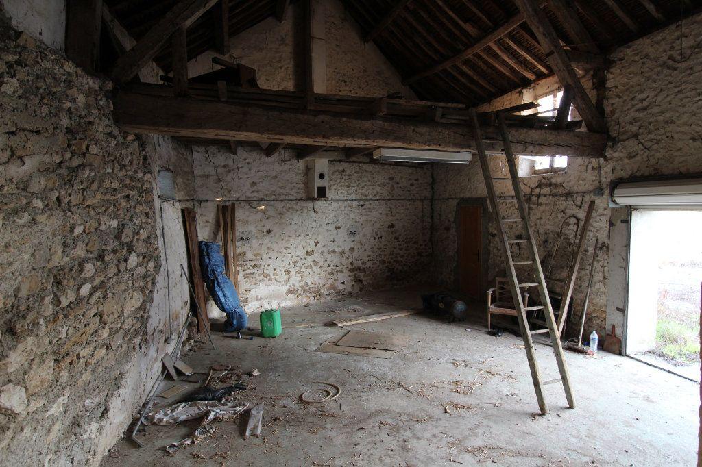 Maison à vendre 1 100m2 à Rozay-en-Brie vignette-3