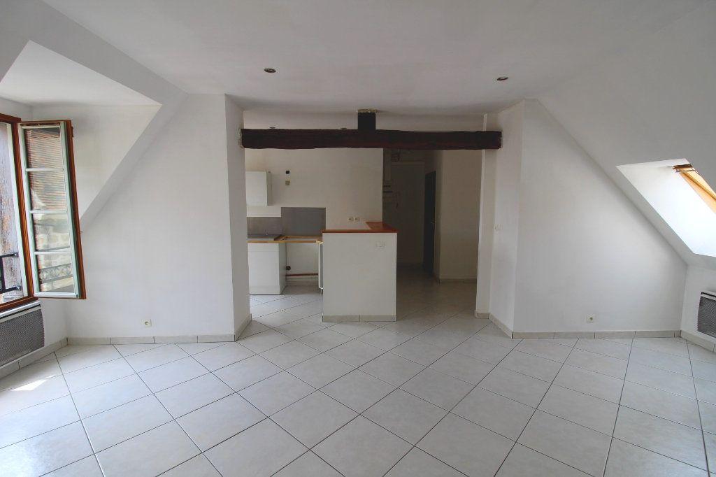 Appartement à louer 3 50m2 à Rozay-en-Brie vignette-1