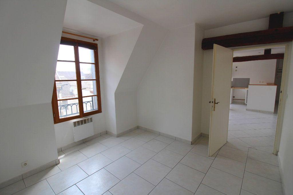 Appartement à louer 3 50m2 à Rozay-en-Brie vignette-2