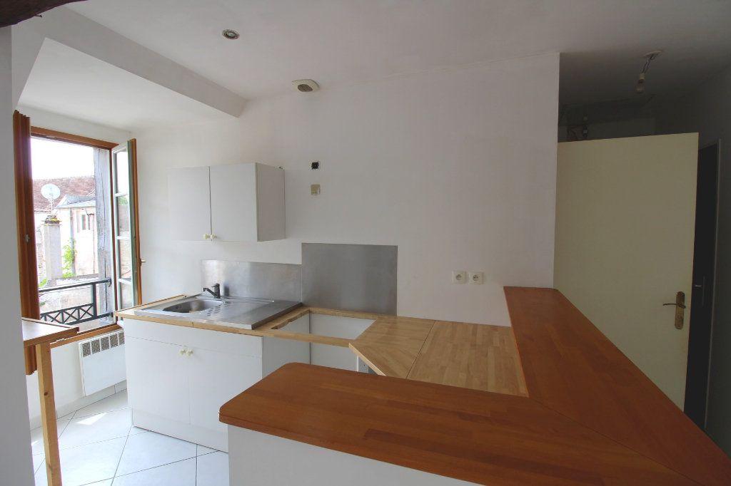 Appartement à louer 3 50m2 à Rozay-en-Brie vignette-3