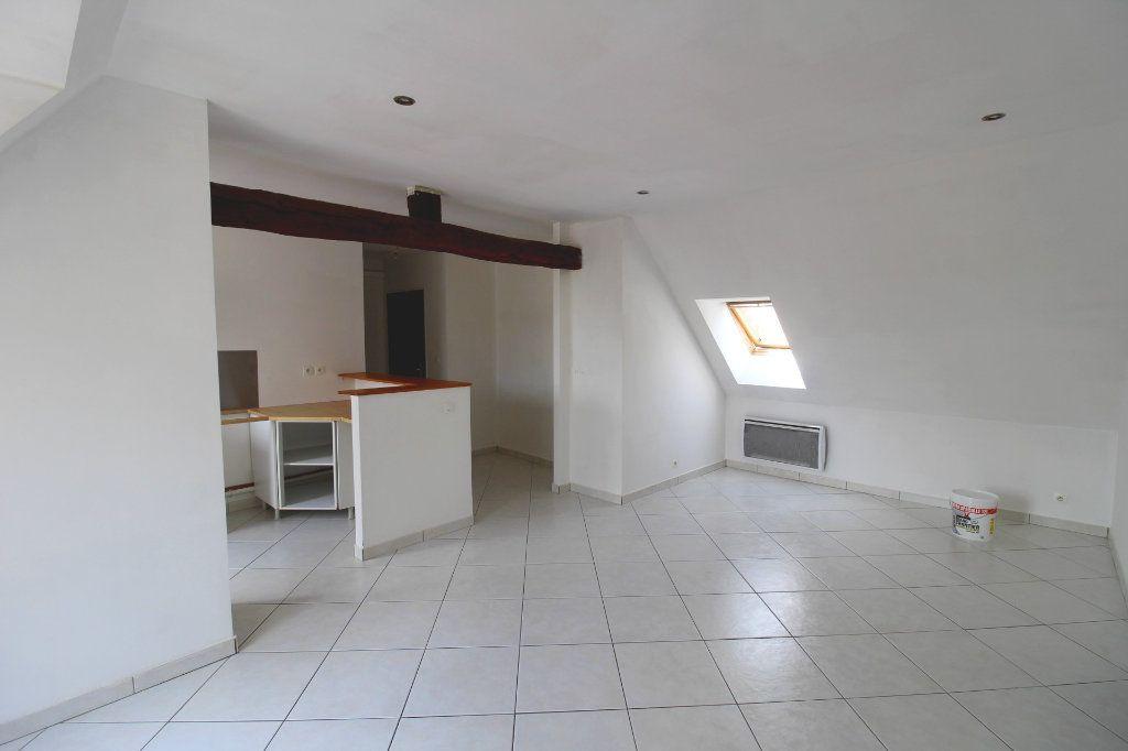 Appartement à louer 3 50m2 à Rozay-en-Brie vignette-4