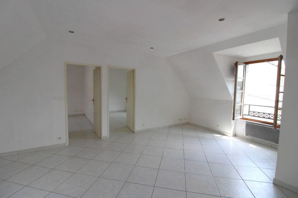 Appartement à louer 3 50m2 à Rozay-en-Brie vignette-9