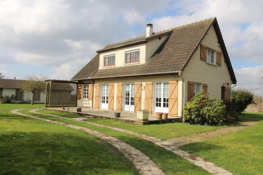 Maison à vendre 7 180m2 à Aubepierre-Ozouer-le-Repos vignette-1