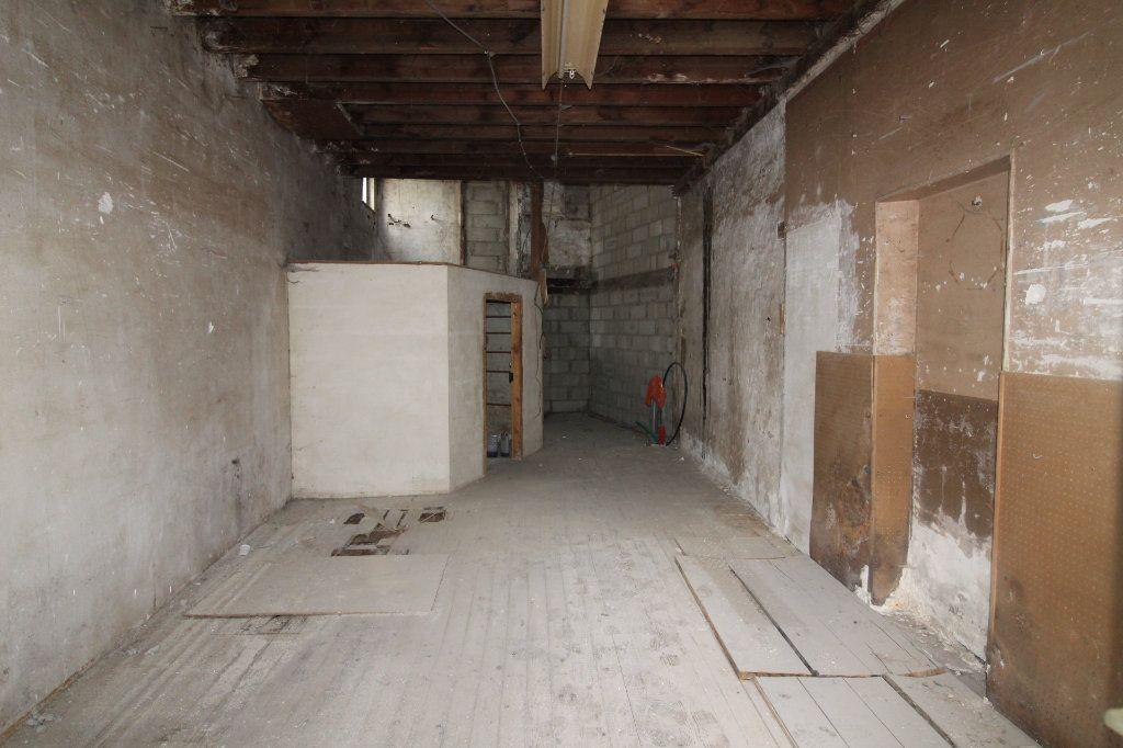 Maison à vendre 1 60m2 à Beton-Bazoches vignette-1