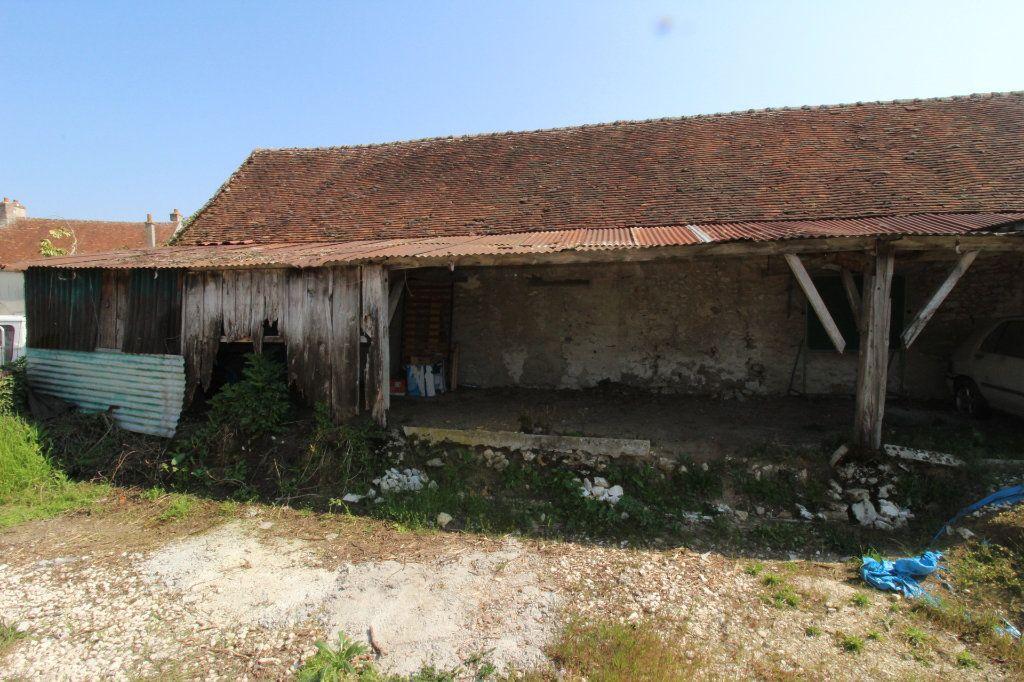 Maison à vendre 1 108m2 à Rozay-en-Brie vignette-1