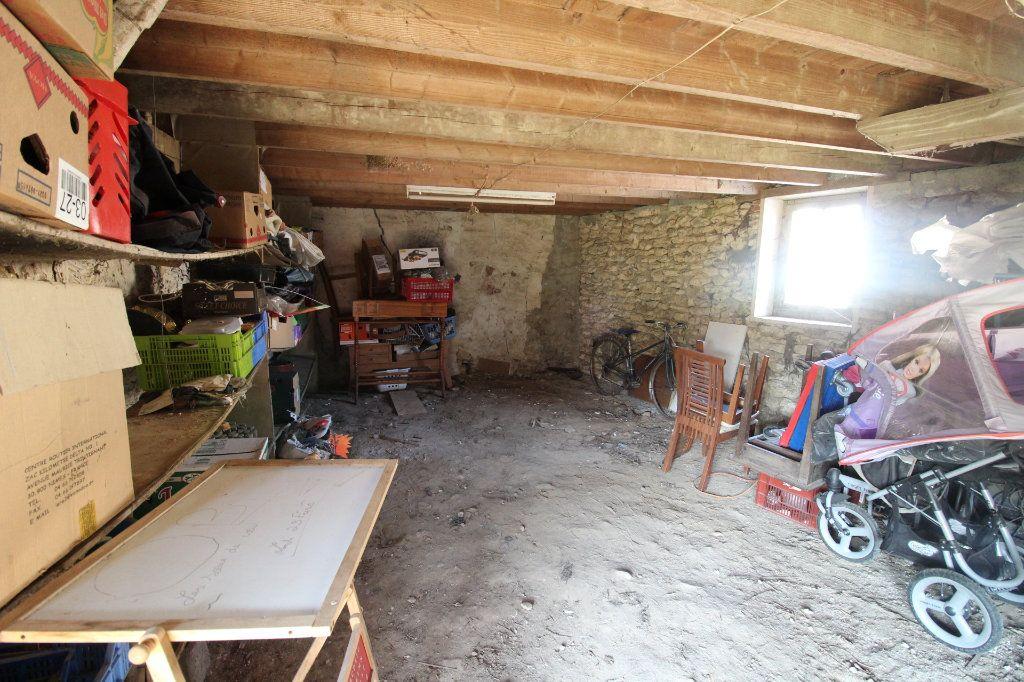 Maison à vendre 1 108m2 à Rozay-en-Brie vignette-2