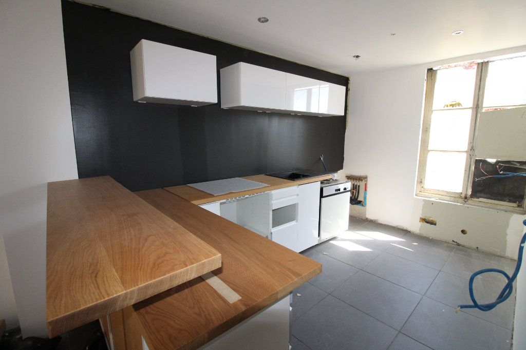 Maison à vendre 5 150m2 à Rozay-en-Brie vignette-2