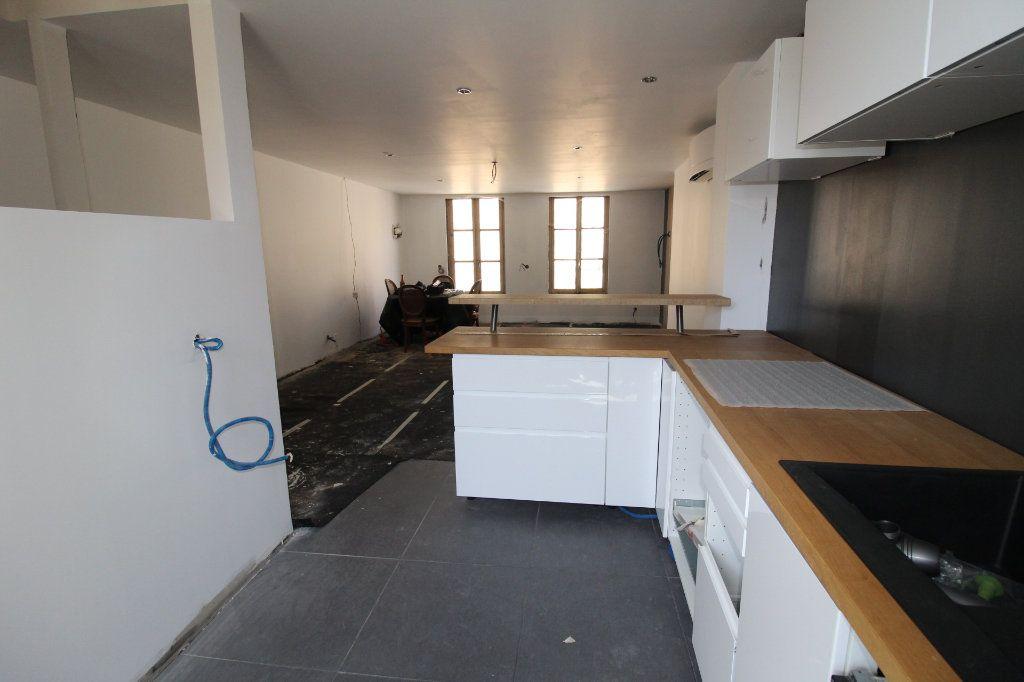 Maison à vendre 5 150m2 à Rozay-en-Brie vignette-3