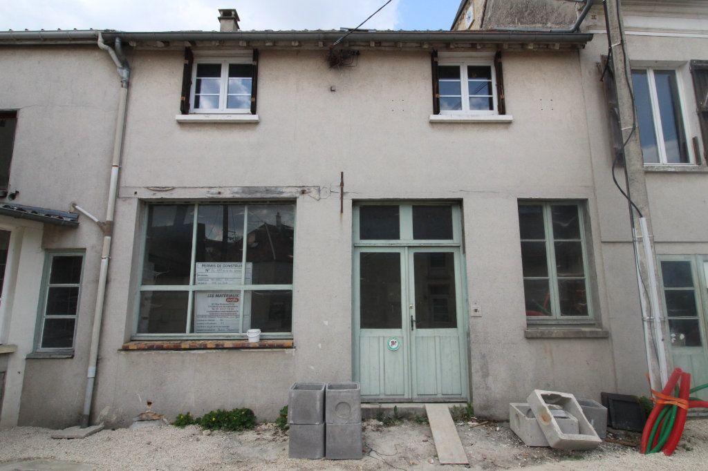 Maison à vendre 3 82m2 à Beton-Bazoches vignette-1