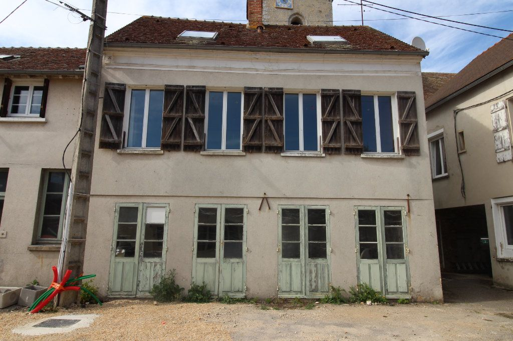 Maison à vendre 5 102m2 à Beton-Bazoches vignette-1