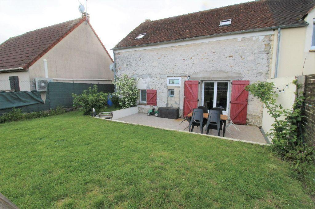 Maison à vendre 5 105m2 à Rozay-en-Brie vignette-1