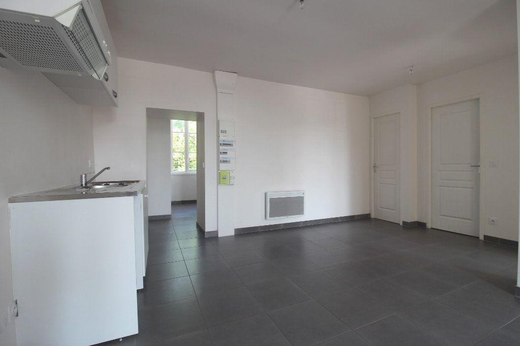 Appartement à louer 3 65m2 à Rozay-en-Brie vignette-3