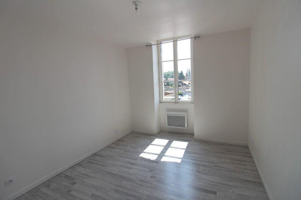 Appartement à louer 3 65m2 à Rozay-en-Brie vignette-10