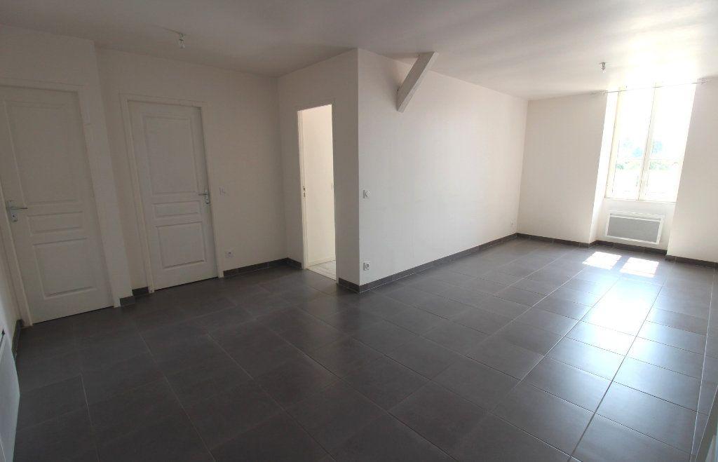 Appartement à louer 3 65m2 à Rozay-en-Brie vignette-11