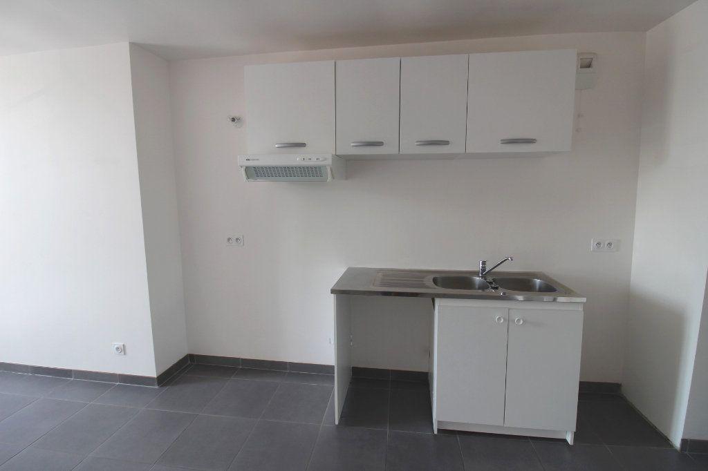 Appartement à louer 3 65m2 à Rozay-en-Brie vignette-13
