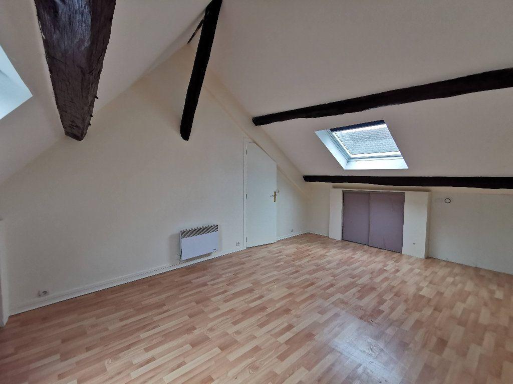 Appartement à louer 2 65.18m2 à Chaumes-en-Brie vignette-2