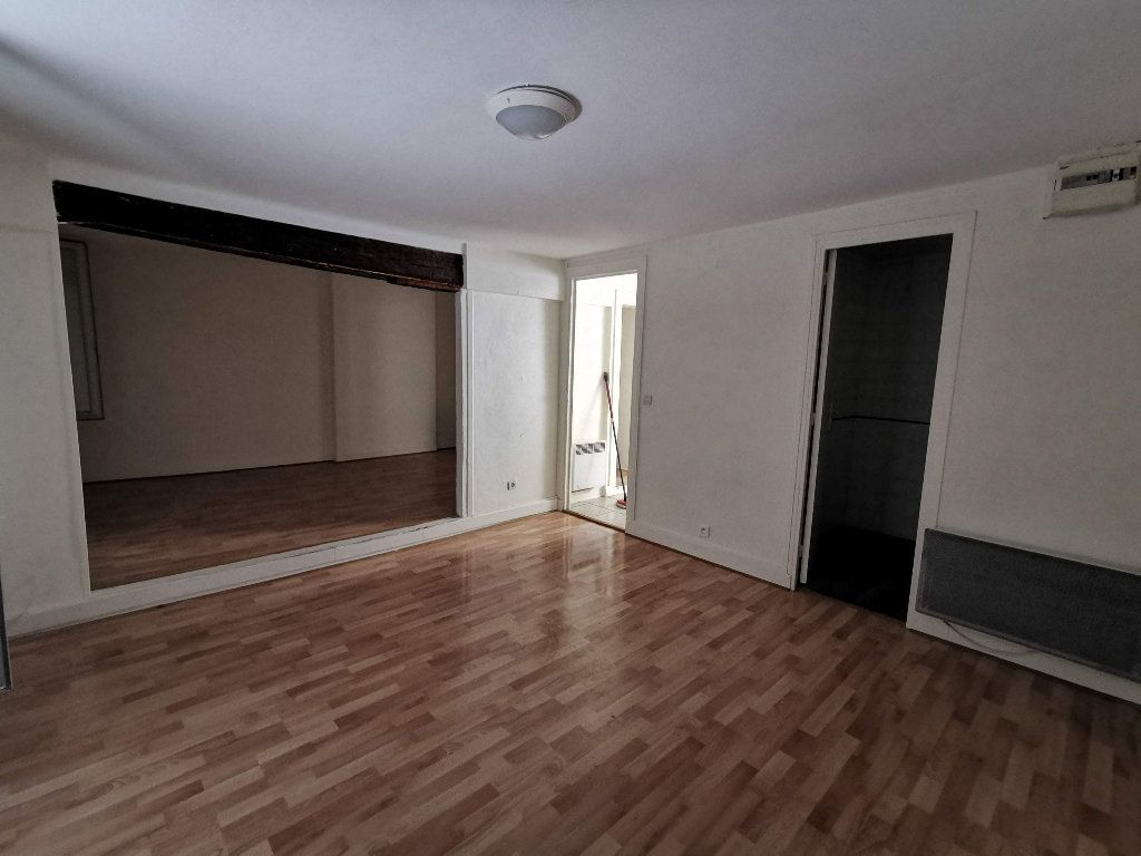 Appartement à louer 2 65.18m2 à Chaumes-en-Brie vignette-6