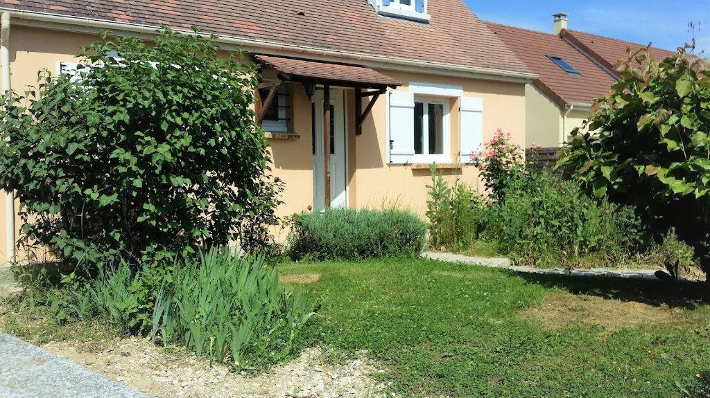 Maison à louer 4 136m2 à Courpalay vignette-1