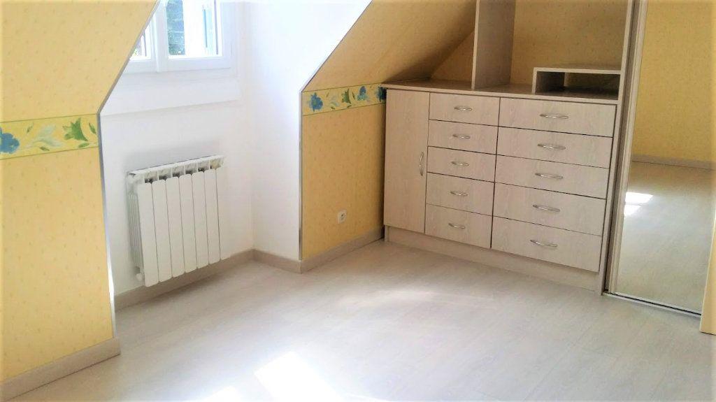Maison à louer 4 136m2 à Courpalay vignette-5